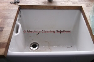 End of tenancy cleaning Bedford Team can descale all areas